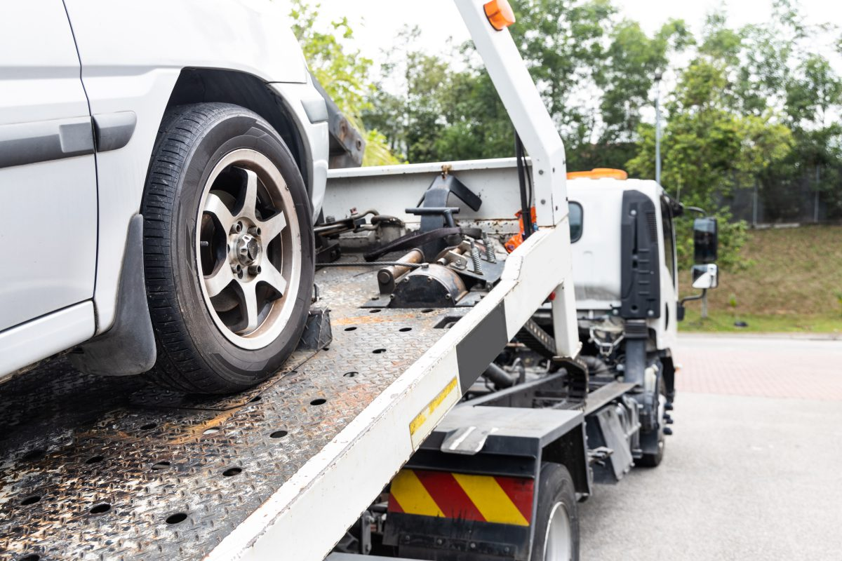 Why Should You Include Tow Truck Services in Your Car Insurance Policy?